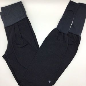LULULEMON|Rare! High waist legging w stirrups/feet